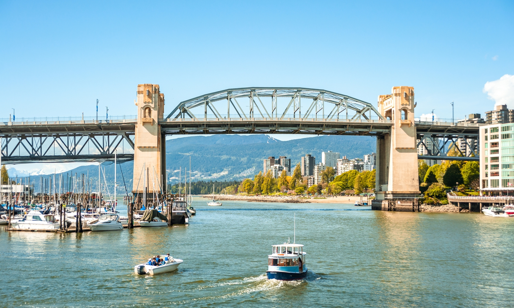 Vacation rental houseboats in Vancouver