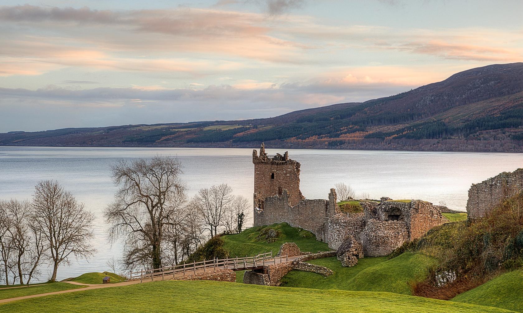 Holiday rentals in Loch Ness