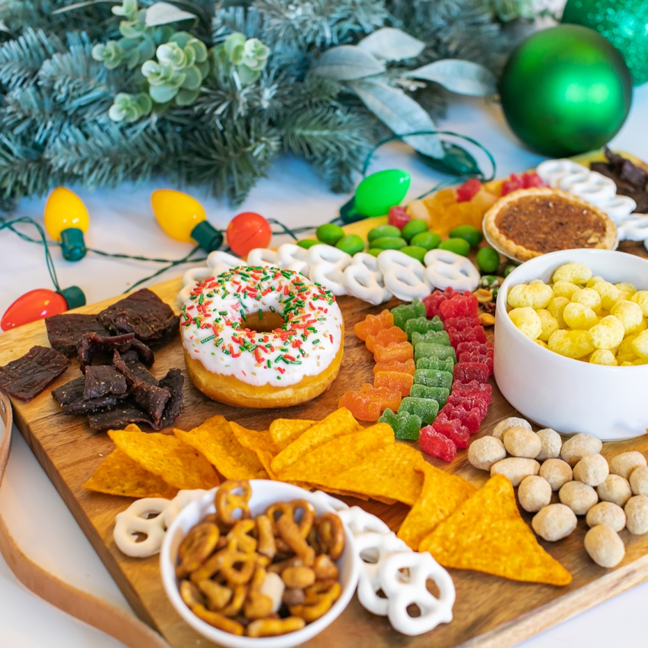 Thumbnail-7-Eleven-Holiday-Charcuterie-Board.jpg