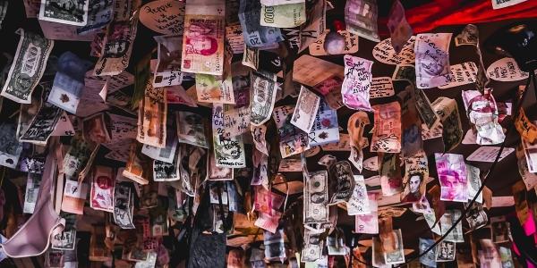 Le salaire et les avantages sur la fiche de paie