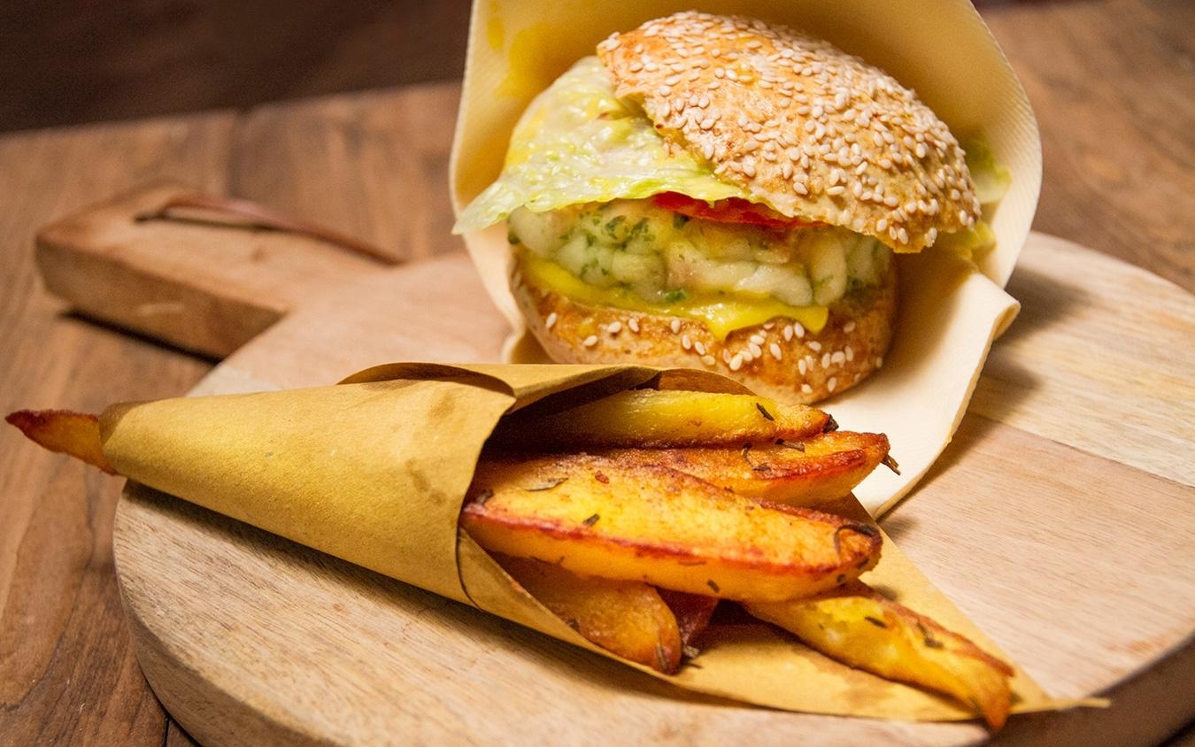 Burger di orata e branzino con lunette di patate