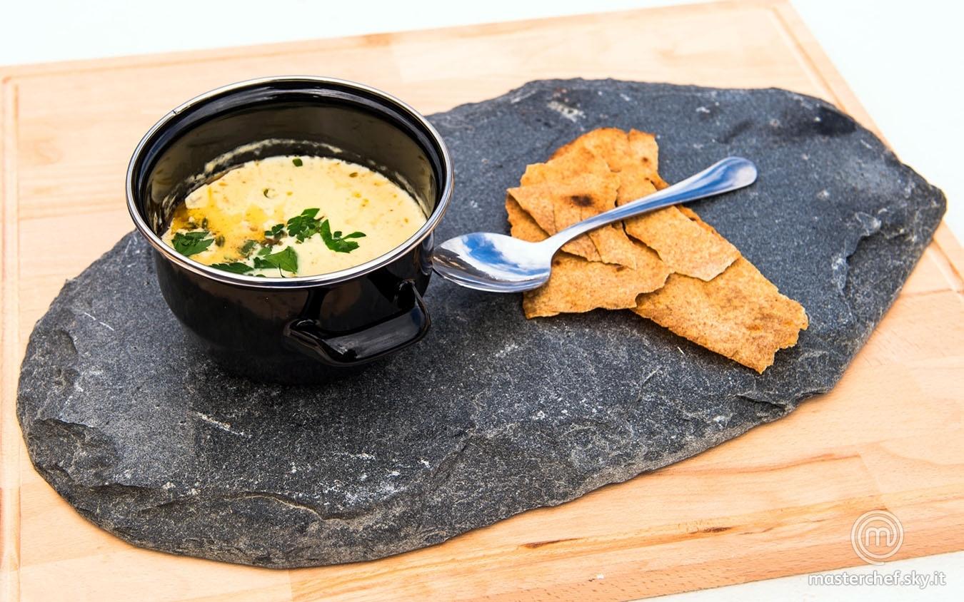 Zuppa di pesce norvegese (Fiskesuppe con flatbrød)