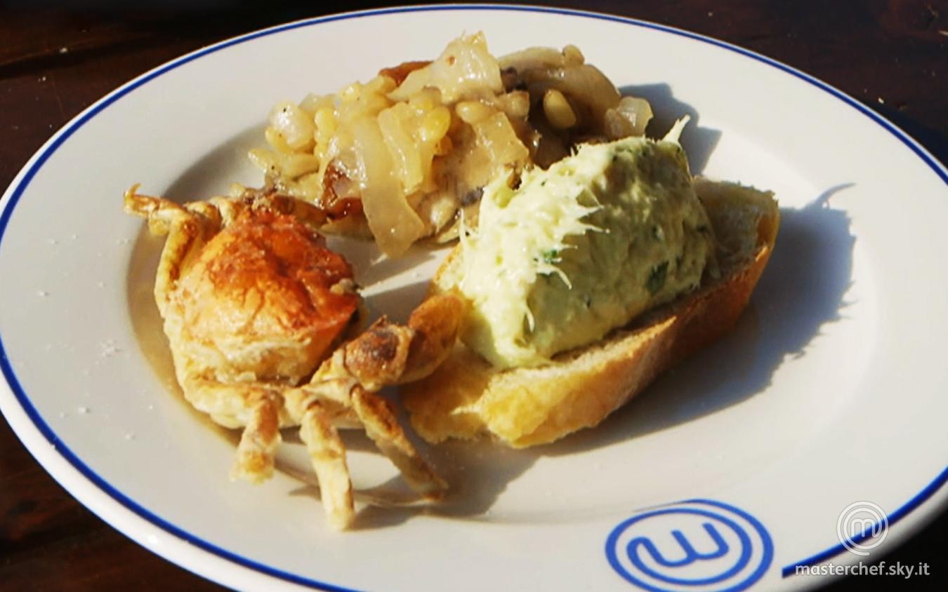 Crostino con baccalà mantecato, sarde in saor e moeche fritte della Brigata Blu