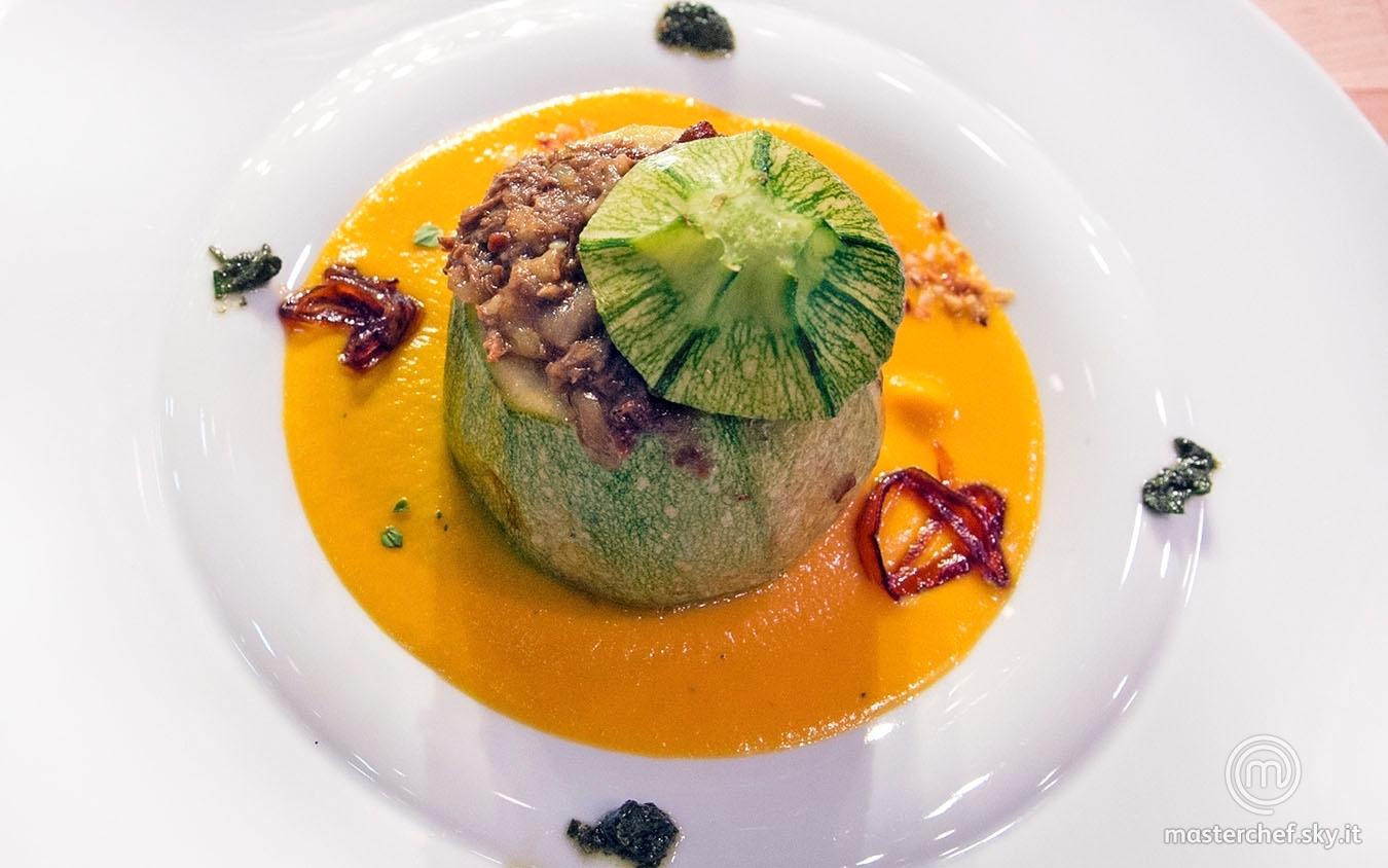 Zucchina tonda alla genovese su crema di carote al sentore di cipolla