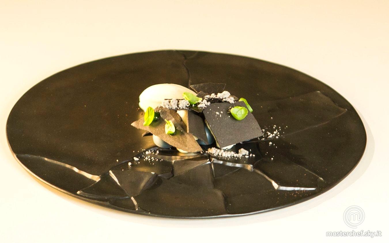 Ganache al cocco, chewing gum all'uva spina, basilico e liquirizia, gelato alla zuppa Tom Kha gai