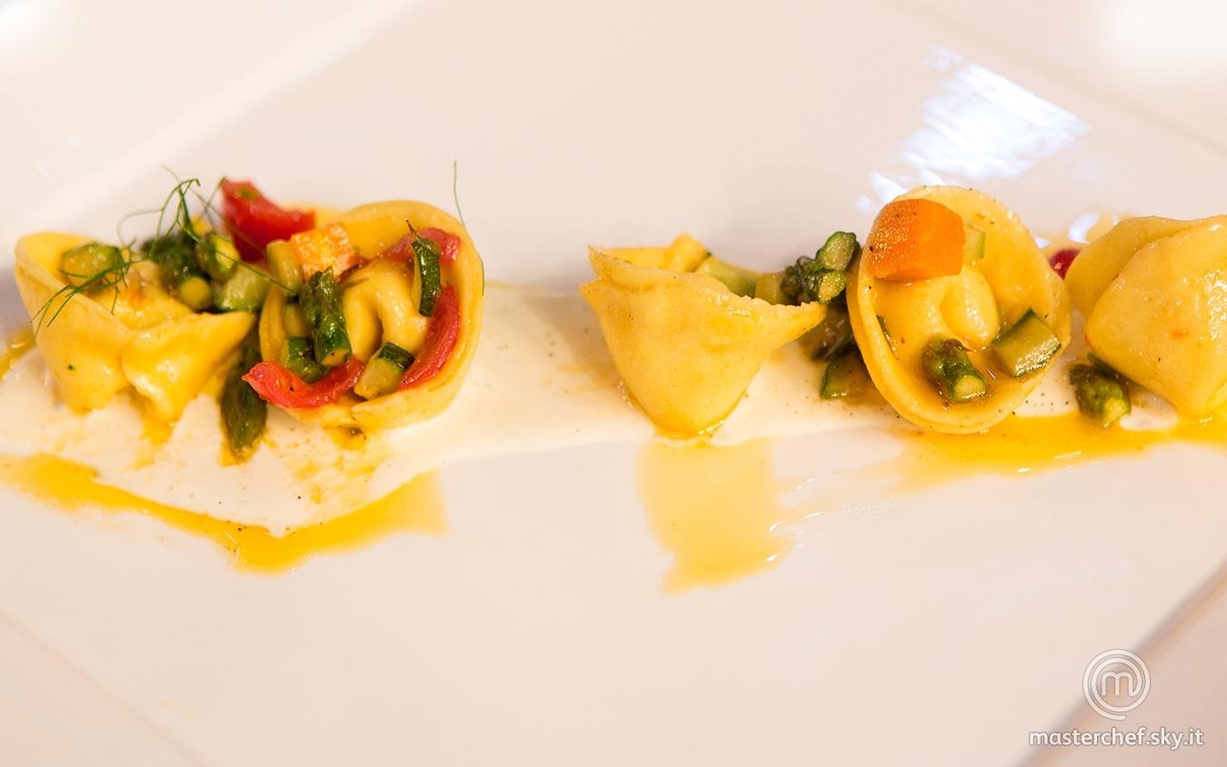Maltagliati con verdure, gamberi di Mazzara e fondutina di parmigiano e vaniglia