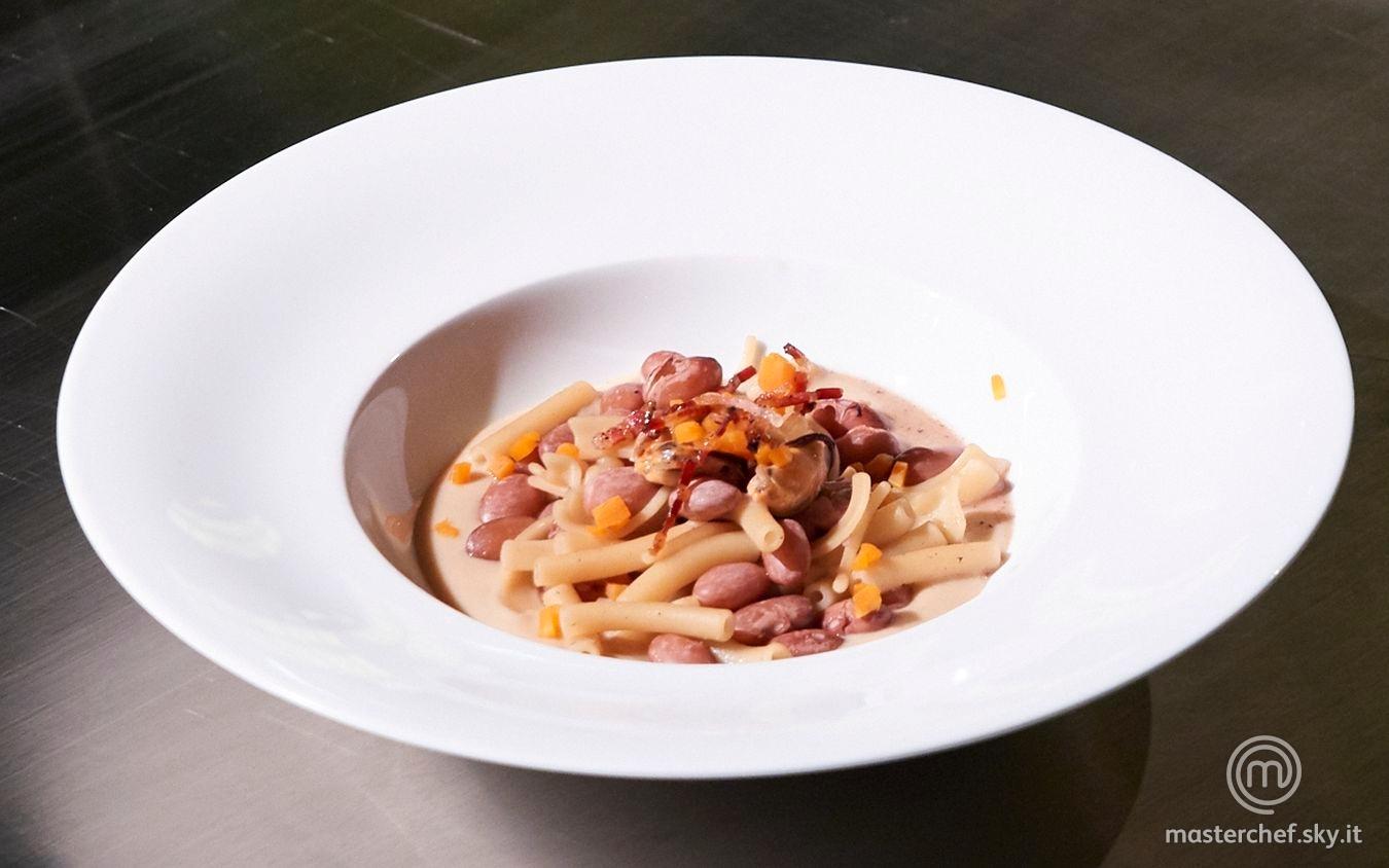 Pasta e fagioli con cozze e pancetta