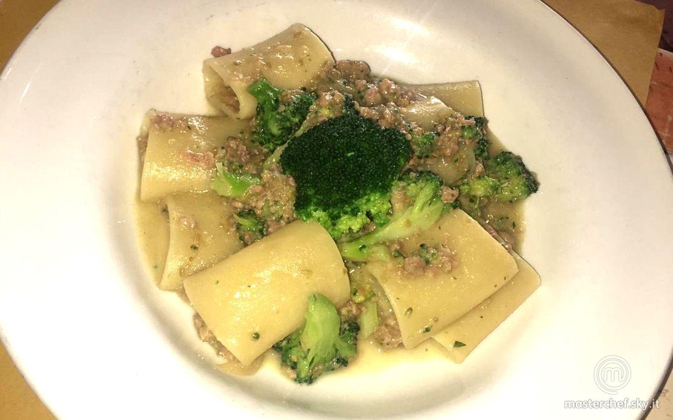 Paccheri con luganega, finocchietto e broccoli