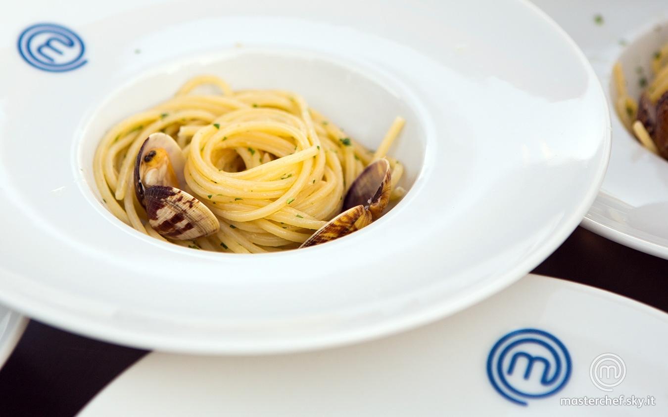 Spaghetti aglio, olio, peperoncino e vongole