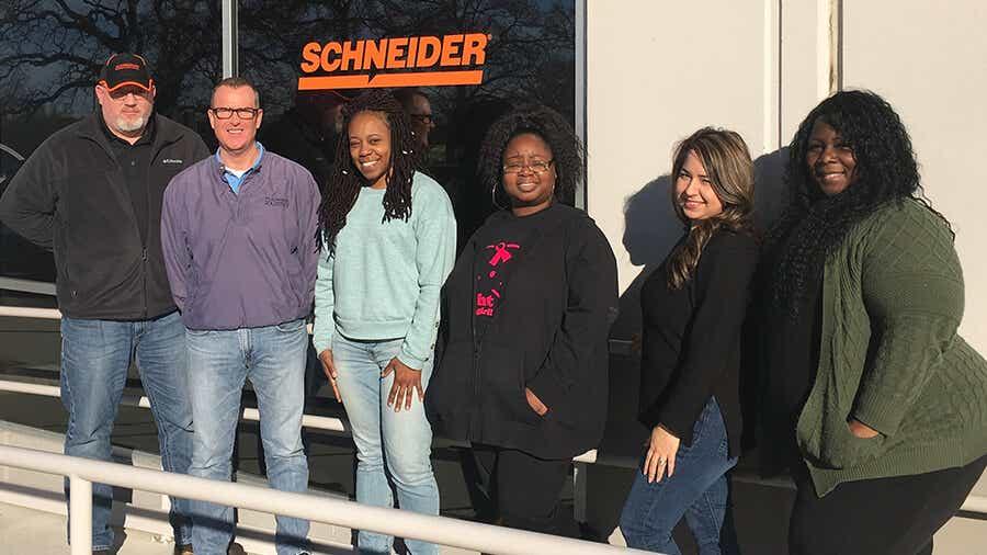 Schneider cross-dock team in Grapevine, Texas.