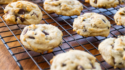 Fresh cookies on a cooling rack