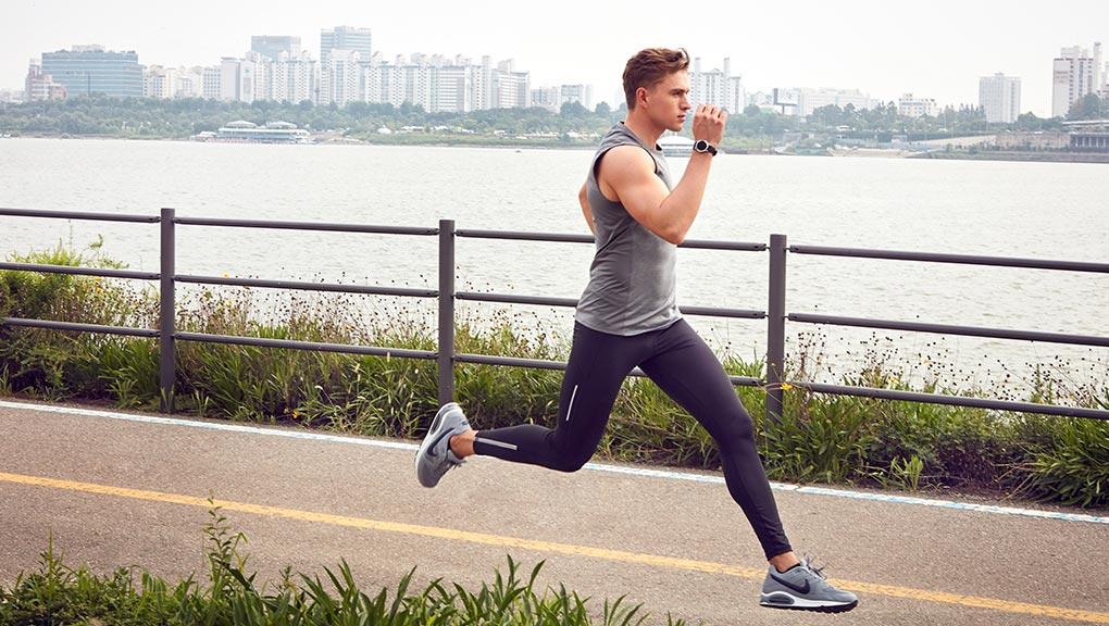 bodykey-malaysia-man-training-with-bodykey-inbodywatch.jpg