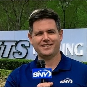 "Ralph Vacchiano, award-winning sports reporter and columnist, joined SNY in 2016 as its NFL Insider. Vacchiano covers the Giants and Jets beats for SNY.tv, co-hosts ""The Tailgate,"" and is a regular contributor to ""GEICO SportsNite."" Vacchiano came to SNY following 15 years as the New York Giants beat writer and columnist for the New York Daily News."