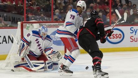 Rangers win fourth straight in comeback over Senators, 3-2