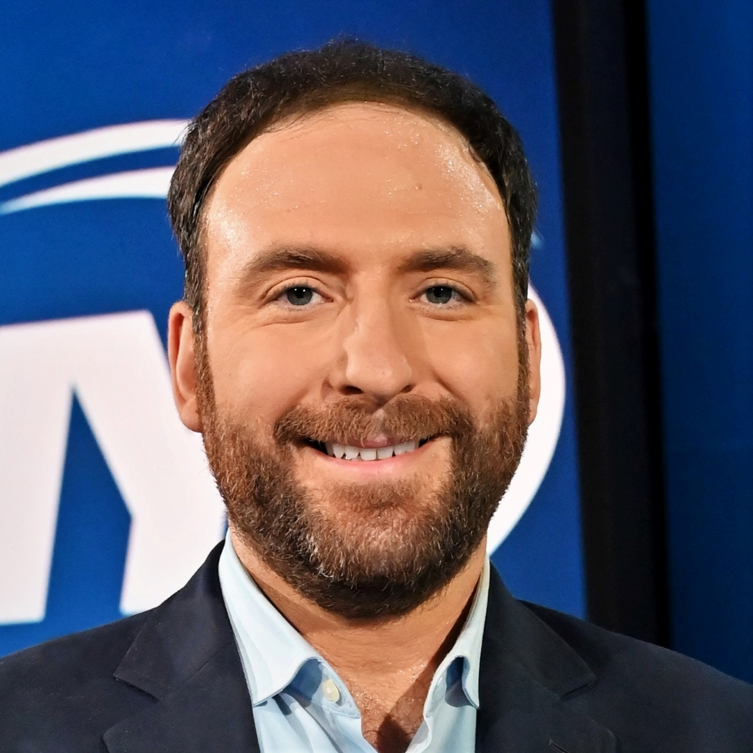 """Ian Begley joined SNY in 2019 as the network's first NBA Insider covering the Knicks and Nets. His show, """"The Putback with Ian Begley,"""" appears weekly on SNY.tv, and Begley is also a regular contributor to """"GEICO SportsNite."""""""