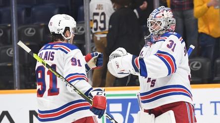 Alexis Lafreniere nets go-ahead goal in Rangers' 3-1 win over Predators