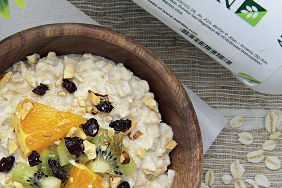 nutrilite-protein-recipes-mixed-fruit-overnight-oats-make.jpg