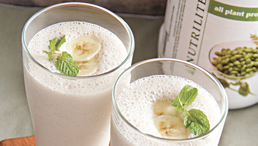 nutrilite-protein-recipes-banana-soy-milk-smoothie-excerpt.jpg