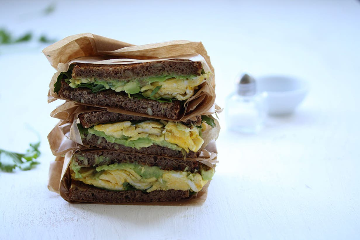 avocado_and_egg_sandwich