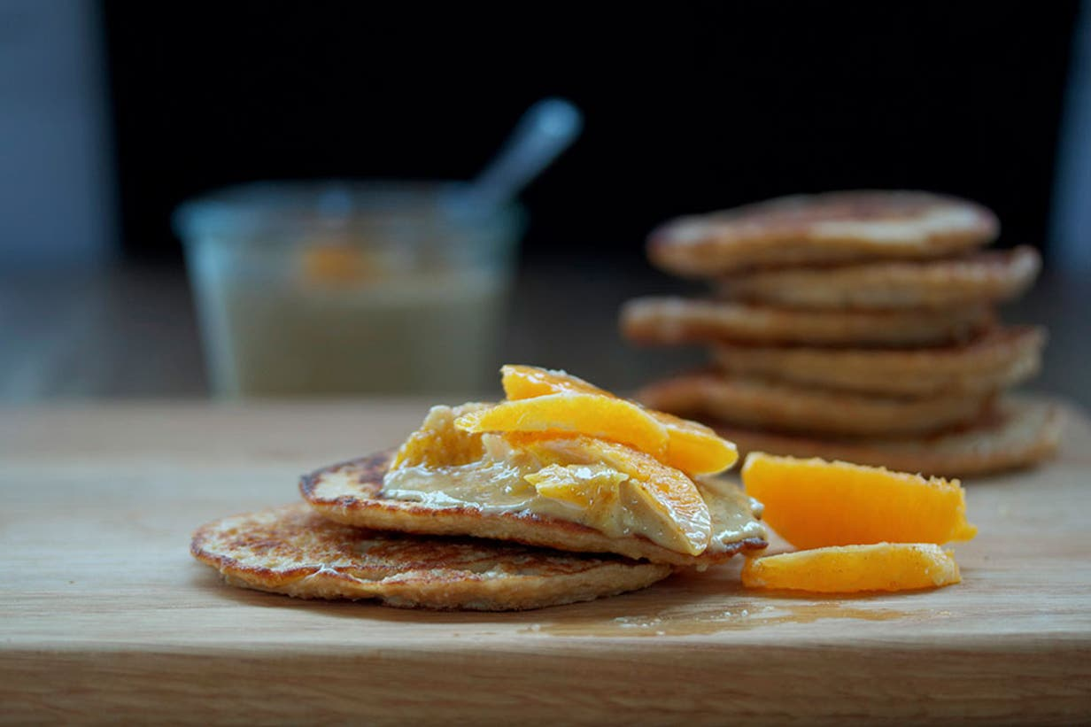 pancakes_with_creamy_cashew_sauce