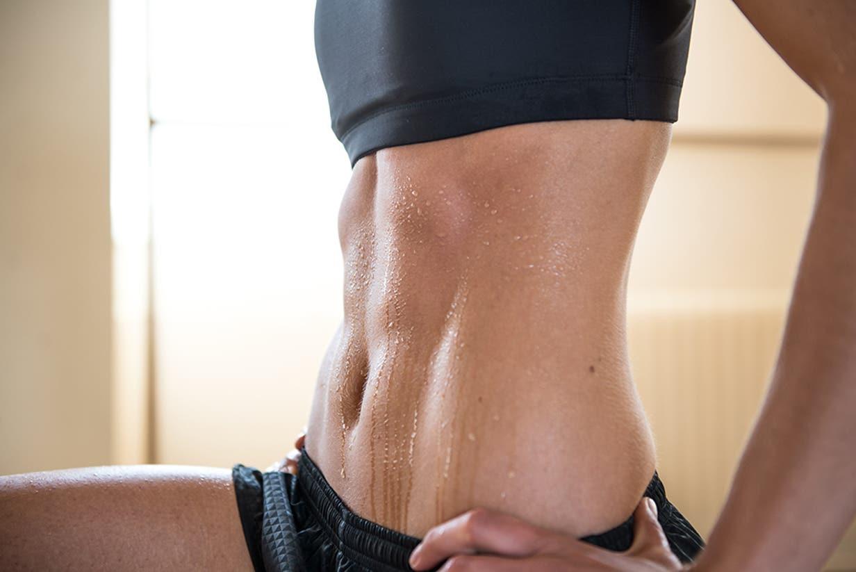 woman core strength