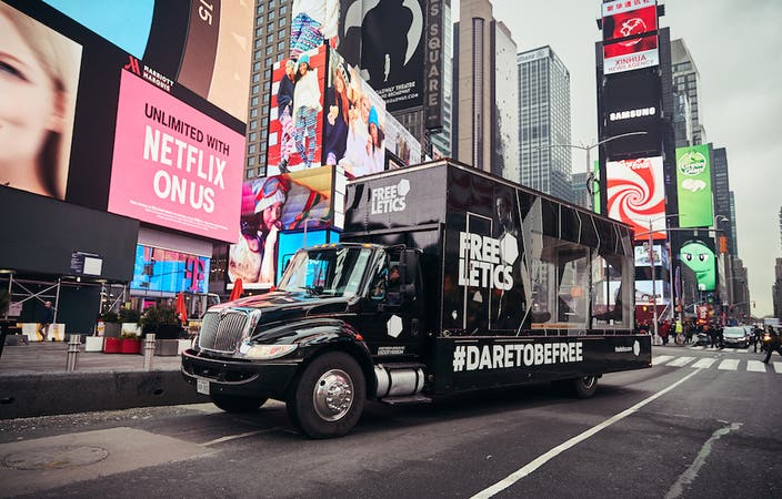 FREELETCS NYC DI 6729 copy