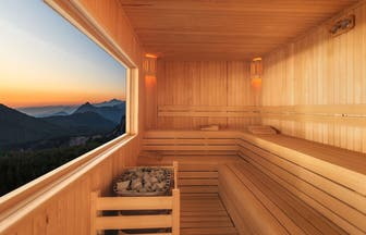 Header sauna