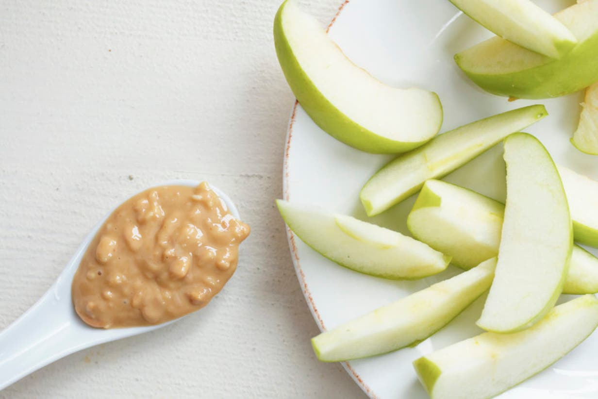 Apple peanut butter snack