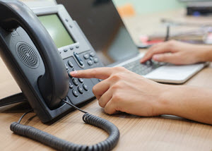 Heat up cold calling with cloud communications