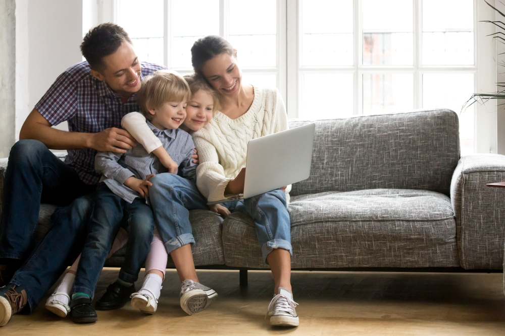Family_laptop_on-sofa.jpg