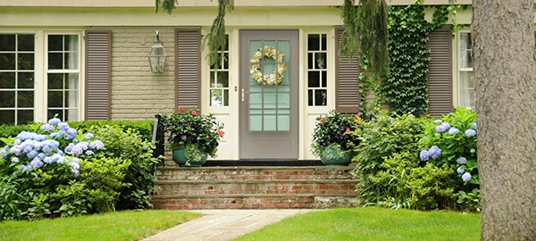 Storm Doors and Screen Doors | Pella