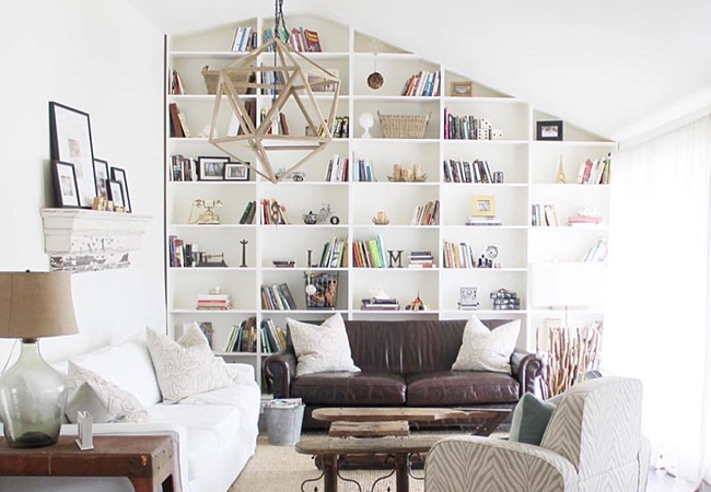 Home Design Instagram Accounts - @thelesliestyle Bookshelf
