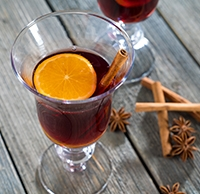 mulled-wine-for-cocktail-glossary.jpg