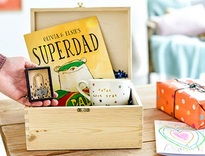 8bcfe5adb80 Give the ultimate Father s Day gift box. Shop now »