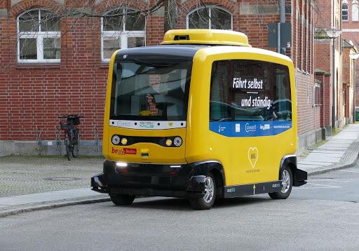 Self-Driving-Taxi-Vehicle.jpg
