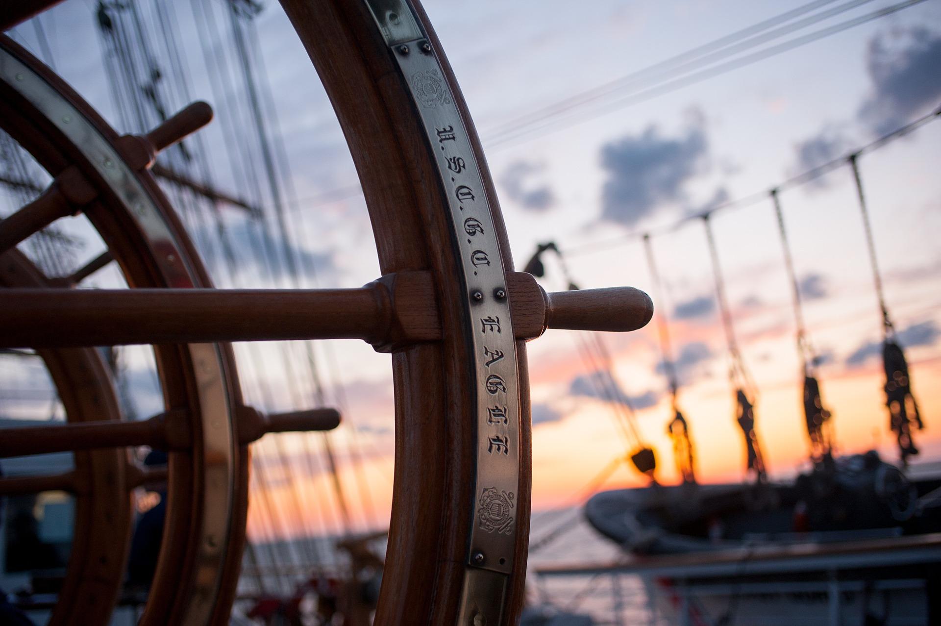 ship-helm-759954_1920.jpg