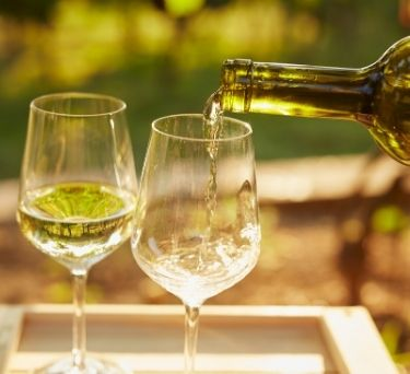 10 Fun Facts About White Wine