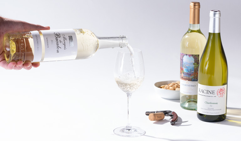 wi-blog-august-2018-white-wine-in-article-04.jpg