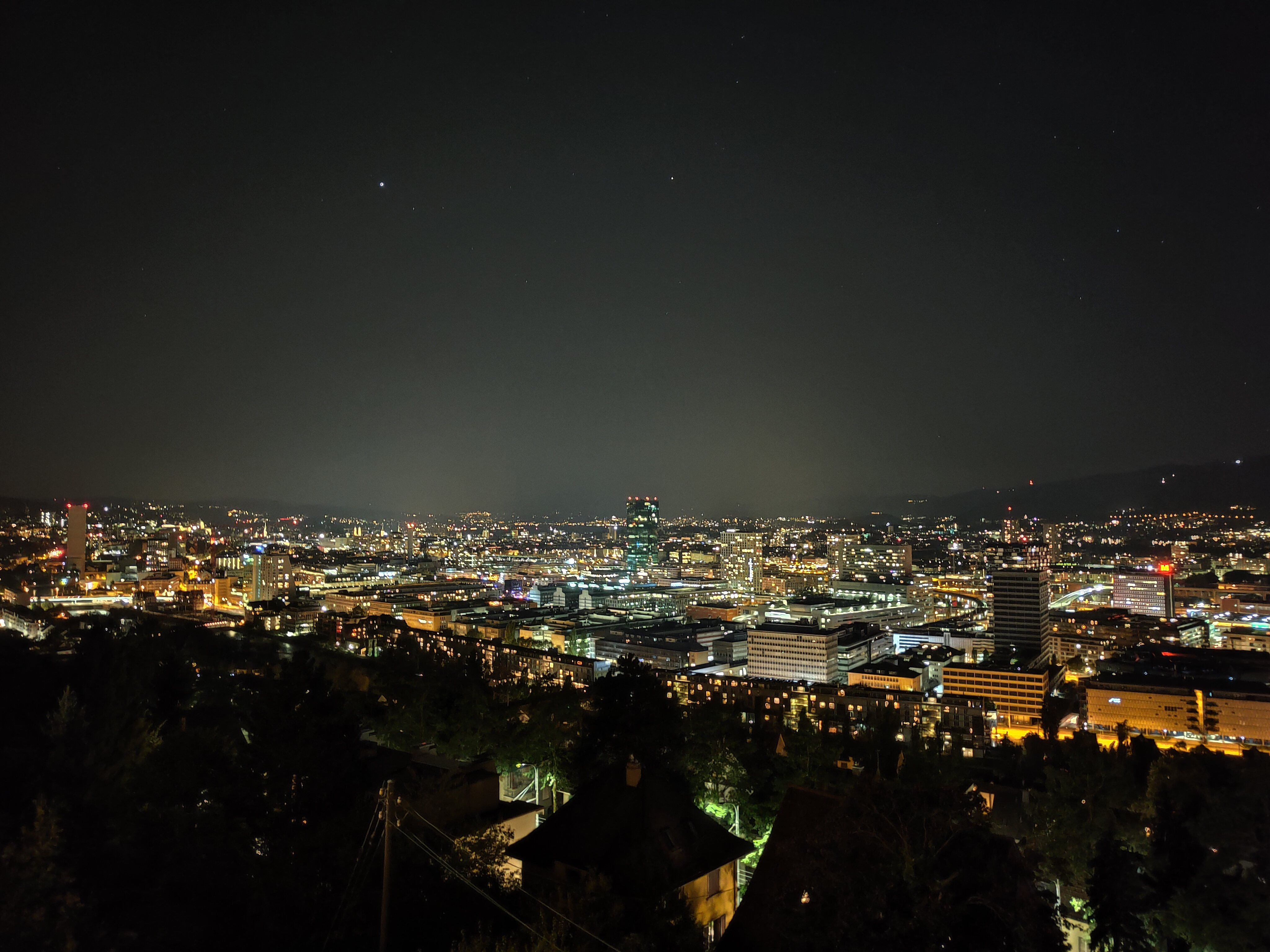 Reno6-Pro-Nacht.jpg