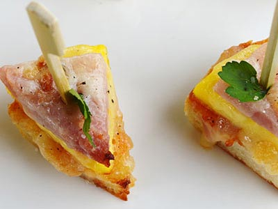 Savory White Cheddar, Egg and Ham Brunch Bites