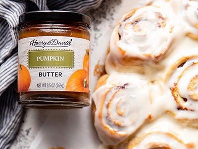 warm-and-gooey-pumpkin-butter-cinnamon-rolls_3.jpg