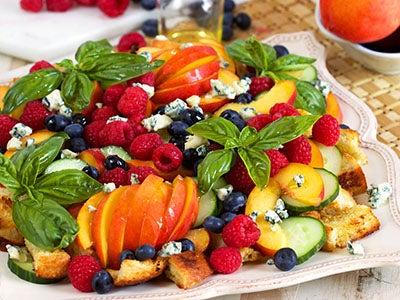 peach-panzanella-salad_2.jpg
