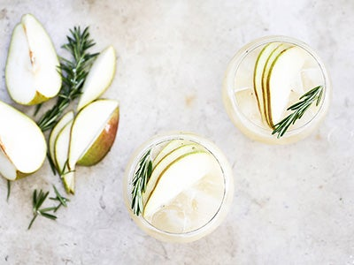 pear-gin-fizz-holiday-cocktail-recipe_3.jpg