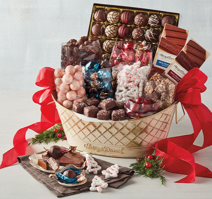 c-201112-Chocolates&_Sweets-Christmas_Basket-Sub3.jpg