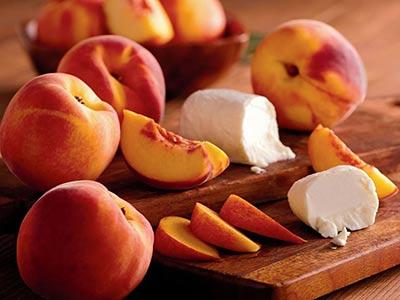 peach-goat-cheese-salad_2.jpg