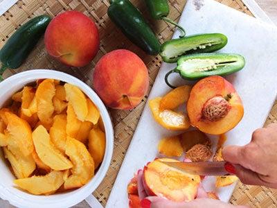 peach-jalapeno-jam_3.jpg