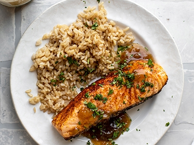 grilled-salmon-with-pineapple-relish_4.jpg