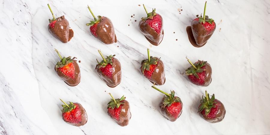 How to Make Chocolate Strawberries