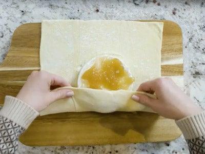 pear-butter-baked-brie_3.jpg