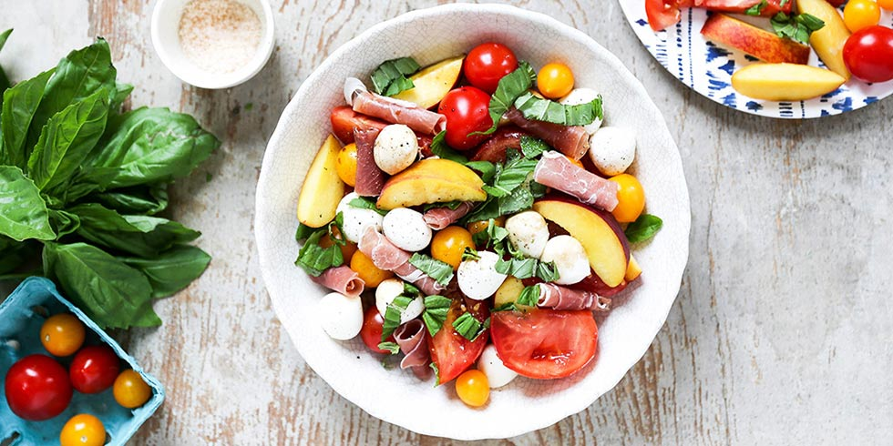 Fresh Summer Caprese Salad with Peaches